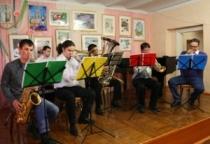 Ансамбль «Новгород-Brass» представил в Сольцах музыкальную интерактивную программу