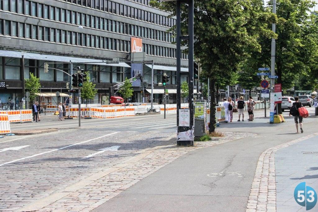 Велодорожки в Хельсинки мирно соседствуют с тротуарами