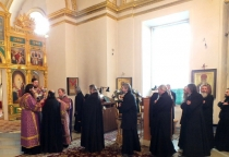 Маревские пенсионеры совершили паломничество в Нилову пустынь