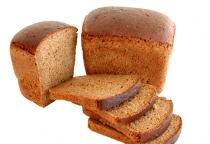 В Холмском районе хлеб в автолавке продается по записи