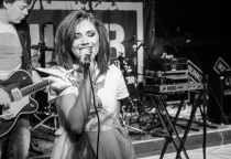 Kira Lao попала в топ-10 лучшей русскоязычной музыки 2015 года по версии «Медузы»