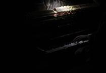 Фото: в Великом Новгороде на набережной играли на фортепиано