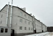 В Валдае переселенцы из аварийного и ветхого жилья получили квартиры с опережением срока