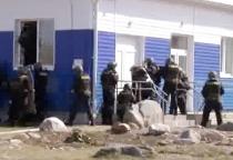 Видео: валдайский спорткомплекс освободили от «террористов»