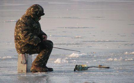 В Демянском районе власти обеспокоены безопасностью рыбаков на льду