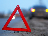На ФАД «Россия» в Валдайском районе водитель «Форда» врезался в «Ладу» и «Мерседес»