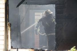 В Боровичах сгорел дом. Погиб человек