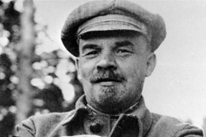 Сергей Митин ответил пикетчику, вышедшему с плакатом про Ленина