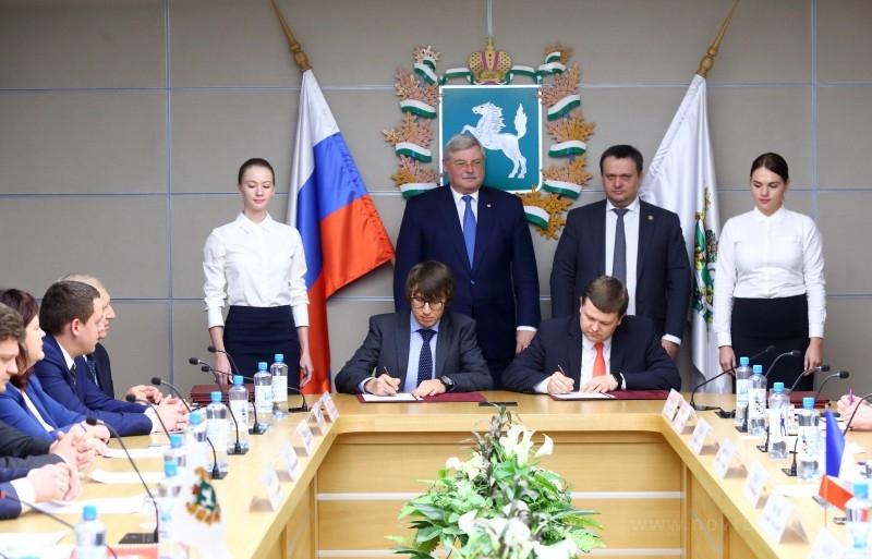 Томская иНовгородская области заключили соглашение осотрудничестве