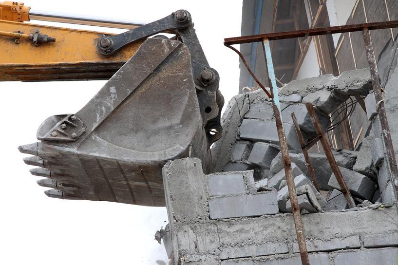 В Великом Новгороде 10 многоквартирных домов подлежат сносу или реконструкции