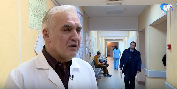 Видео: Комментарии медиков и Следственного комитета об инциденте в Новгородской областной клинической больнице