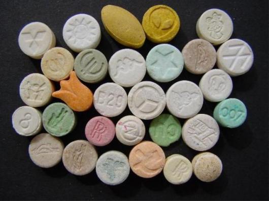 В Боровичах 37-летний мужчина за сбыт трети грамма амфетамина приговорен к 11 годам