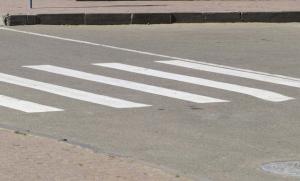 Водитель «Тойоты» сбил женщину на пешеходном переходе в Великом Новгороде