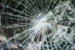 Пьяный мужчина разгромил приемный покой ЦРБ в Валдае. Пострадала медсестра
