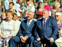 Сергей Митин поздравил маловишерцев с днем города и познакомился с работой деревообрабатывающего предприятия