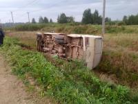 В Крестецком районе опрокинулся ПАЗик: пострадал пассажир автобуса