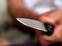 В Валдае бывший муж пытался убедить полицейских, что жена сама упала на нож