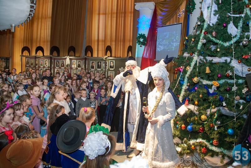 Именины Деда Мороза подчеркнули вУзловой
