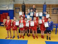 Новгородские самбисты завоевали 15 медалей на соревнованиях в Санкт-Петербурге