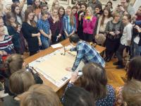 Профессор Хань Аньжун рассказал новгородцам о пяти стилях каллиграфии