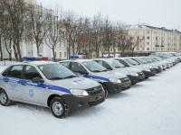 Новгородским полицейским подарили 20 автомобилей