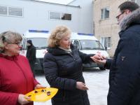 Семь автомобилей скорой помощи переданы медикам Новгородской области