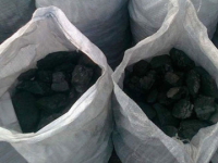 Сторожа одного из автохозяйств поймали на воровстве 500 кг угля со станции Хвойная