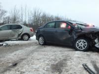 В аварии с тремя легковушками в Новгородской области пострадала пятилетняя девочка