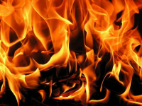 В Боровичах горел торговый павильон