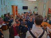 В новгородском «Чемодане стихов» хранится 432 стихотворения