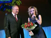 Сергей Митин поблагодарил певицу Наталию Москвину за благотворительную деятельность
