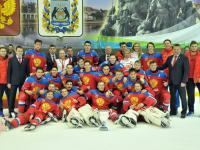 Сергей Митин поздравил победителей Международного турнира четырёх наций по хоккею