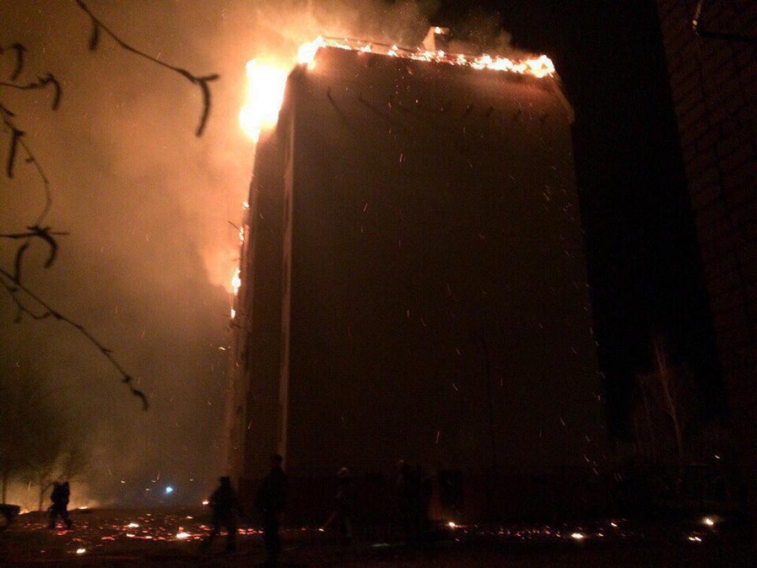 Свыше 200 человек были эвакуированы изгорящей пятиэтажки под Новгородом