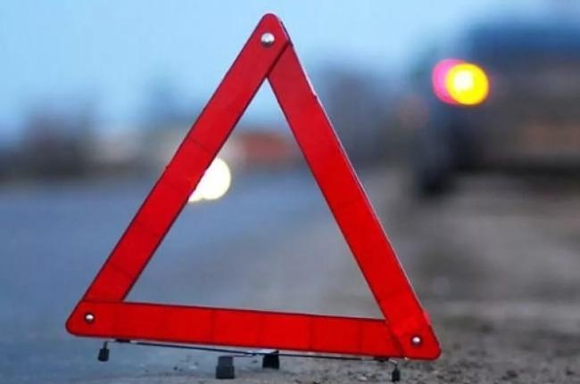 НаМосковском шоссе пассажирский автобус столкнулся савтомобилем