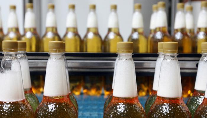 Народные избранники предлагают запретить реализацию алкоголя вПЭТ-таре неменее полулитра