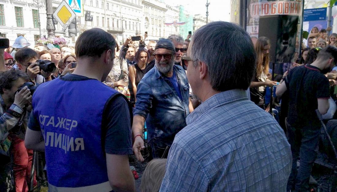 Санкт-Петербург: Борис Гребенщиков даст бесплатный концерт уЕкатерининского сада