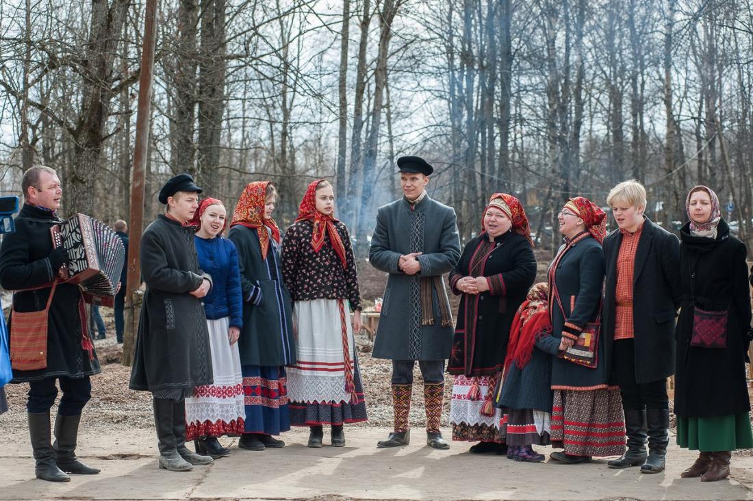 В новгородской филармонии «Круговина» покажет обычаи традиционной семьи