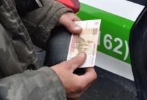 Из-за штрафа в 100 рублей жителя Сольцов арестовали на 15 суток