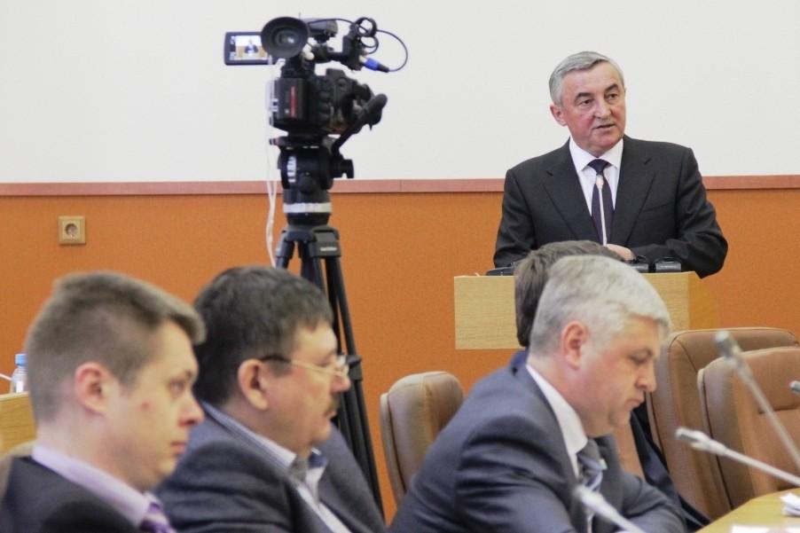 Депутаты признали работу мэра Великого Новгорода удовлетворительной
