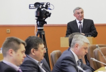 Новгородцы не верят обещанию мэра перечислять 10% зарплаты ветеранам