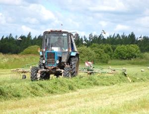 Аграрии старорусского хозяйства «Астрилово» наращивают кормовую базу