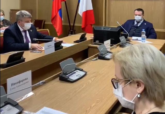 Андрей Никитин потребовал максимально эффективно ликвидировать последствия вспышки ковида в боровичском доме-интернате