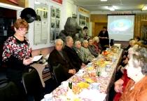 В Холме состоялась встреча с пенсионерами, родившимися в предвоенные и военные годы