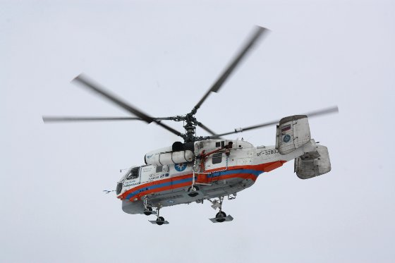 Новгородца с переломом шеи эвакуируют на вертолете из Тосно