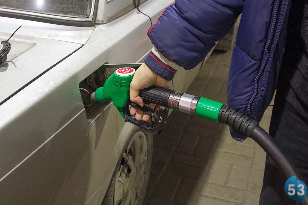 ОНФ ждет от новгородцев информацию о завышении цен на АЗС