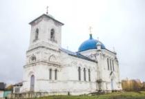 «53 новгородских храма»: церковь Рождества Христова в поселке Угловка (Окуловский район)