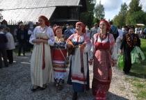 В новгородских «Витославлицах» прошел праздник «Спасы»