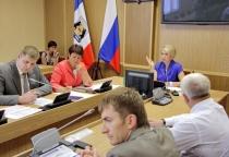 Новгородские семьи получили более 2,5 тысяч участков земли