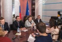 Елена Писарева: «Новгородская областная Дума много уделяет внимания здравоохранению на селе»