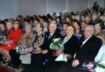 В Великом Новгороде поздравили ветеранов и восстановителей послевоенного города